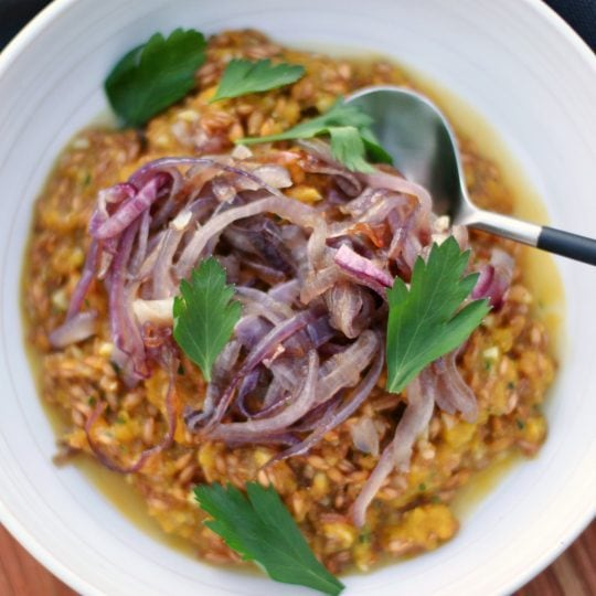 Sugar Pumpkin Farrotto is a bright and cheery Autumn 'risotto' featuring a sugar pumpkin purée and farro instead of rice. #farrotto #risotto #sugarpumpkin