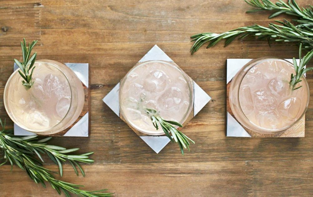A refreshingly different Spring cocktail made with Skinos Mastiha, grapefruit, and rosemary syrup #cocktail #mastic #Greek #beverages