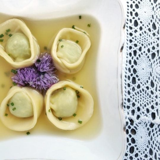 How to Make Tortellini Filled with Stinging Nettles #foraging #wildedibles #seasonal #ediblenature