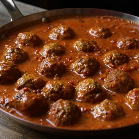 Butter Chicken is rich and luxurious Indian favourite known all over the world. Try these Butter Chicken Meatballs as a fun twist on a cherished classic. Start with roasted spices and your mouth will thank you. #butterchicken #curry #meatballs #chickenmeatballs #garammasala #tandoorimasala #spices