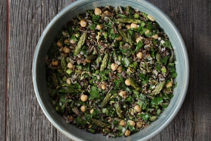 Wild Rice Asparagus Salad is a delicious Spring salad with the crunch of fresh asparagus and healthy benefits of wild rice. #wildrice #springsalad #salad #asparagus #asparagussalad