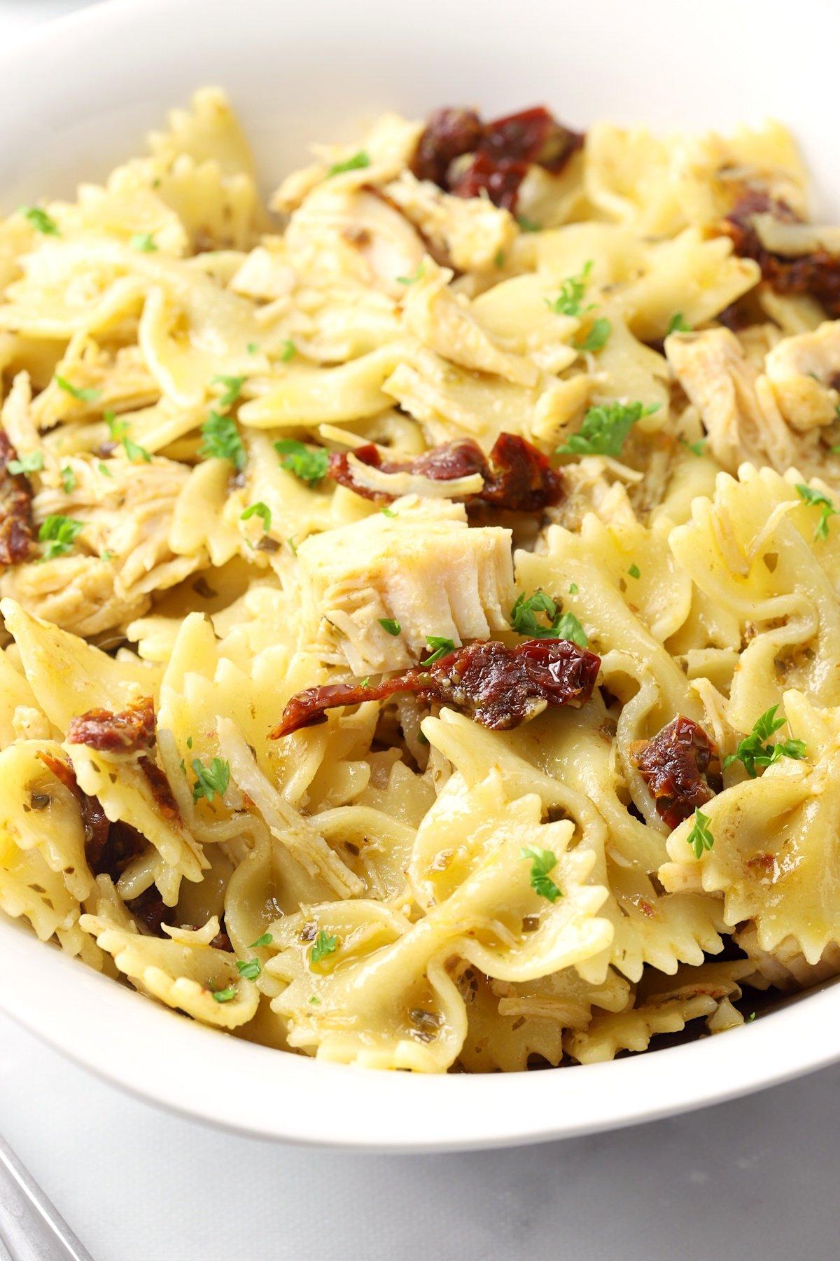 Pesto Chicken Pasta (5 ingredients)
