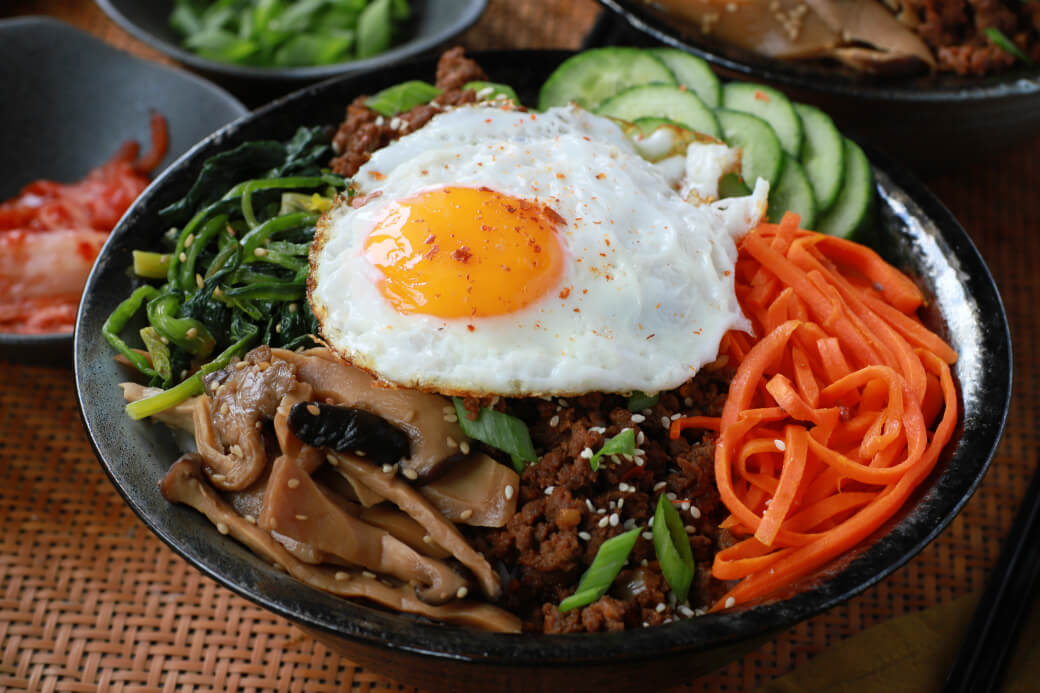 Beef Bibimbap Korean Rice Bowl Dish N The Kitchen