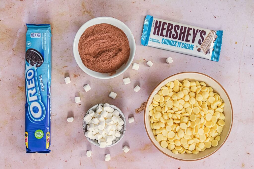 Ingredients required to make cookies and cream hot chocolate bombs..